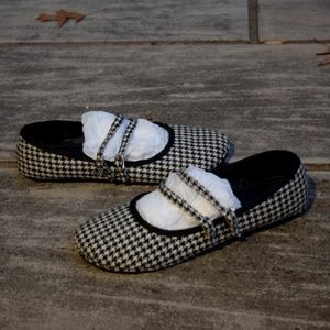 Wild Diva Houndstooth Fabric Flats, Double Straps